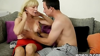 Old blonde GILF still loves horseshit