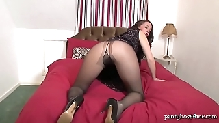 British Chick Loves Her Pantyhose