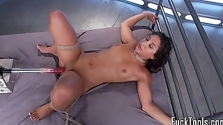 Gorgeous machine babe gets her pussy drilled