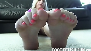 I want to environment your tongue on my sexy little feet
