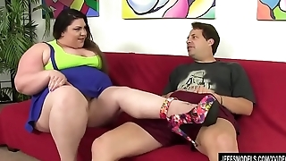 Steamy BBW Bella Bendz Sucks a Guy'_s Cock and Then Has Him Fuck Her Up the Pest