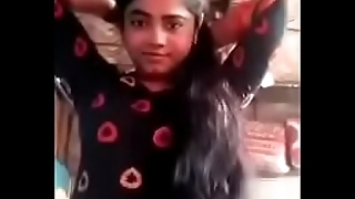 Cute Desi University Girl Shows her Nude Body Video