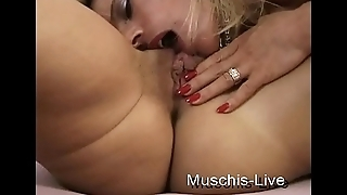 2 girlfriends do lesbian sex