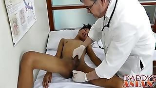 Doctor daddy tugs twink before shoving his rod gaping void inside